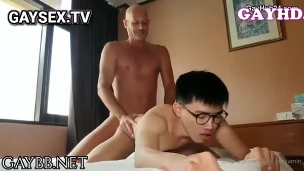 Big cock daddy bareback asian twink. Skinny slut fucked hard